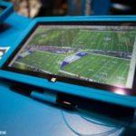 Планшет Microsoft Surface Pro пережил бросок на трибуны тренером НФЛ